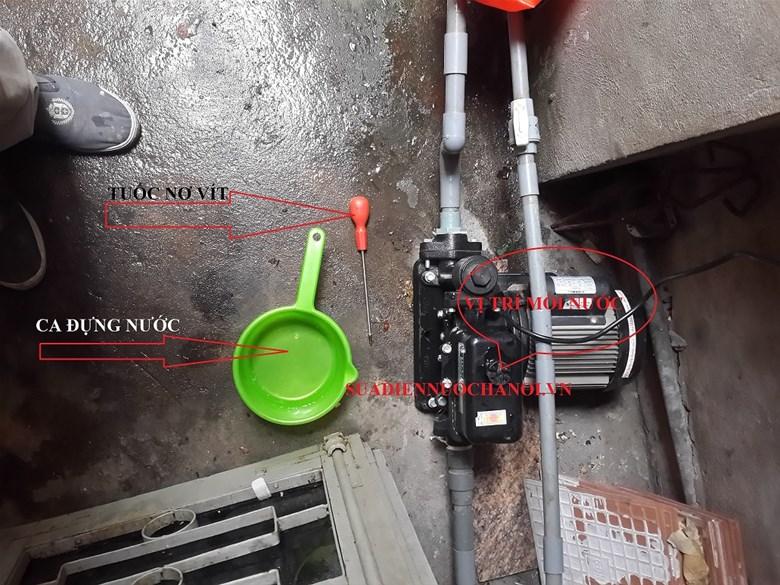 máy bơm nước hút sâu 100m